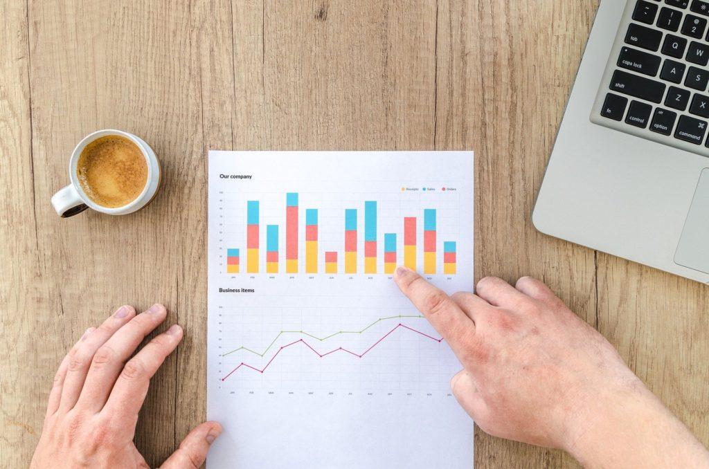 株式投資の初期段階(初心者)は、必死に勉強して手法を改善するほど、負け続けてしまうのはなぜか?